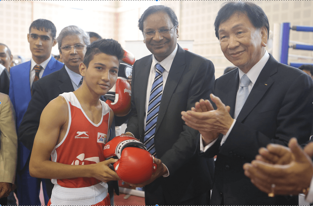 BFI President Ajay Singh & AIBA President Dr. Ching Kuo Wu along with Youth world champion Sachin Siwach at AIBA Heads Up Program (1)
